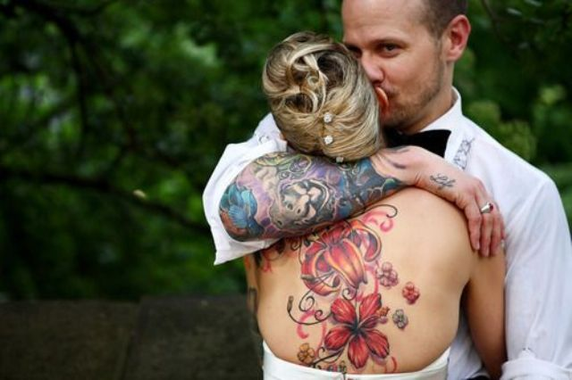 Picture Of Excellent Groom Looks With Tattoos 21