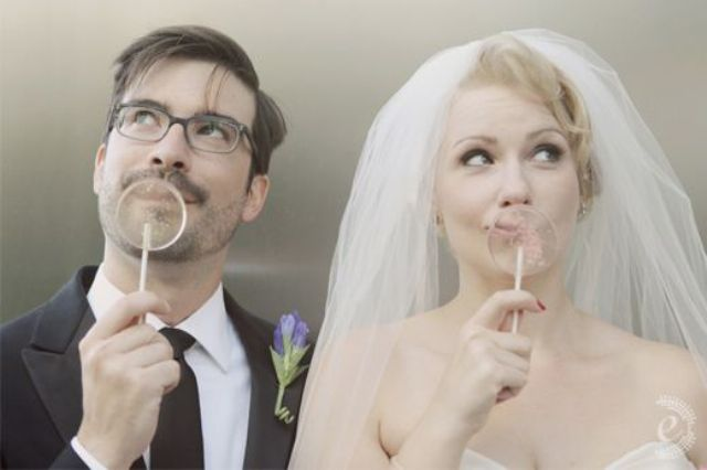 Picture Of Funny Ways To Incorporate Lollipops Into Your Wedding 14