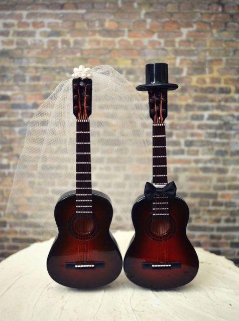 Decoration Theme Guitare : Funny guitar wedding décor ideas weddingomania
