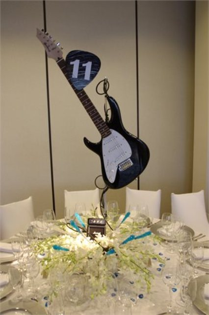 Picture Of Funny Wedding Guitar Décor Ideas 20