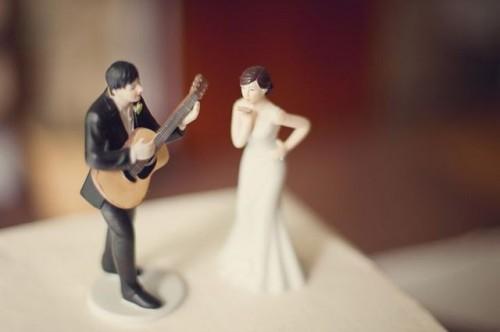 Funny Guitar Wedding Décor Ideas