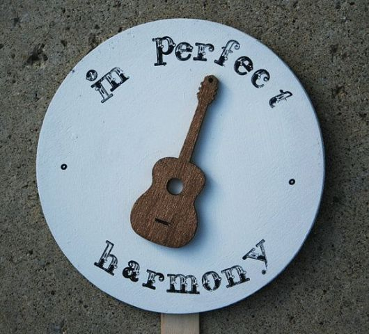 Picture Of Funny Wedding Guitar Décor Ideas 7