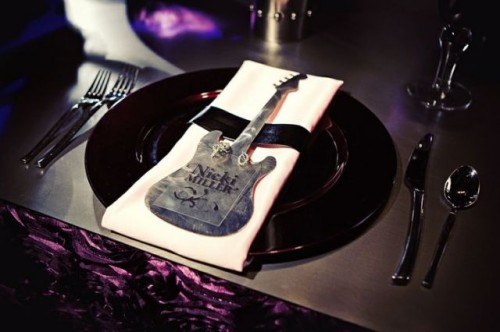 a guitar-shaped card with an acrylic tag is a fun and cool idea for a rock-n-roll wedding