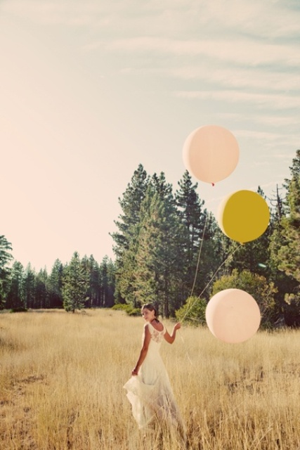 Trendy Giant Balloon Ideas For Your Big Day