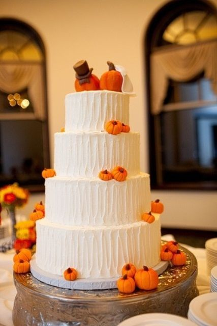 22 Fun Pumpkin Wedding Cake Ideas For Fall Weddingomania