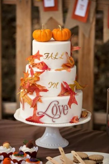 Fun pumpkin wedding cake ideas for fall weddingomania