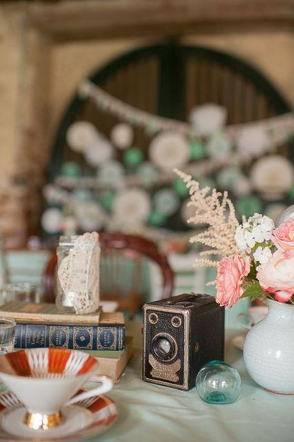 22 Vintage Camera Wedding Centerpieces