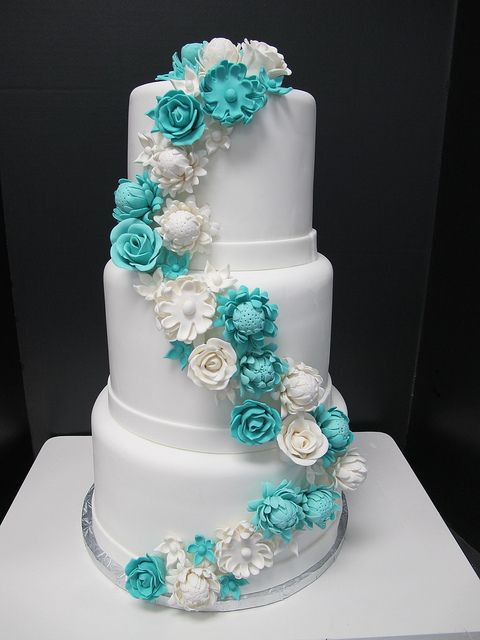 Picture Of Tiffany Blue Wedding Cake Ideas 20