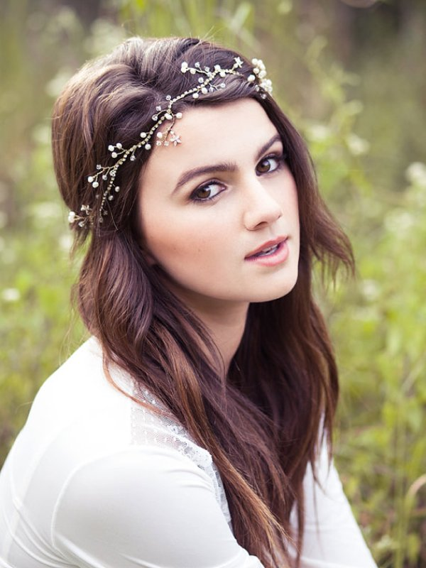 Picture Of breathtaking bridal headbands that we love  17
