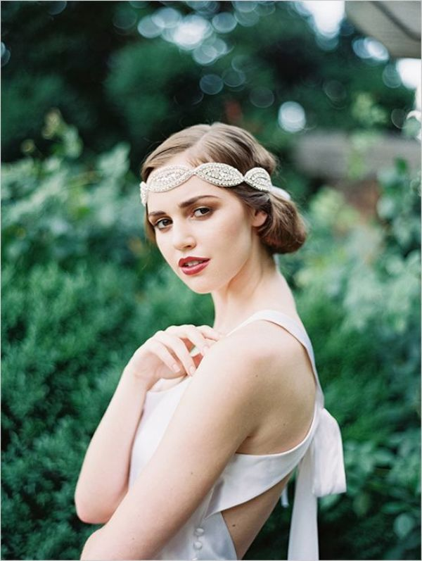 Picture Of breathtaking bridal headbands that we love  3