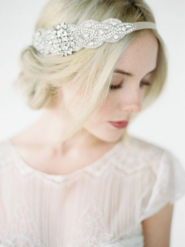 Picture Of breathtaking bridal headbands that we love  8