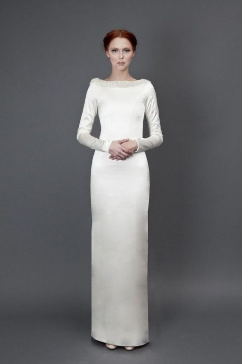 a sheath wedding dress with a bateau neckline and long sleeves is a lovely idea to style a bride like in Star Wars