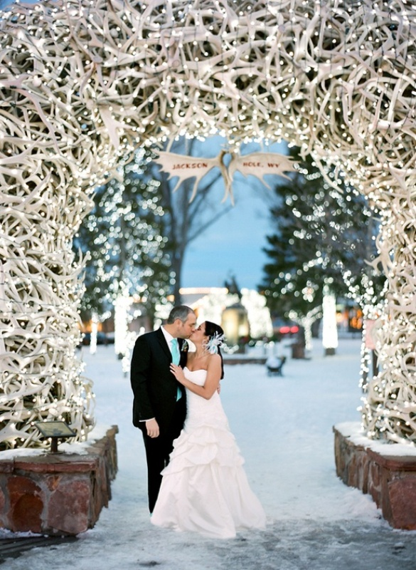 Picture Of details that we love for winter weddings  4