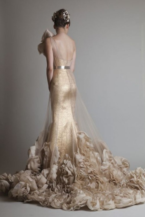 23 Fabulous Gold Wedding Dresses Weddingomania