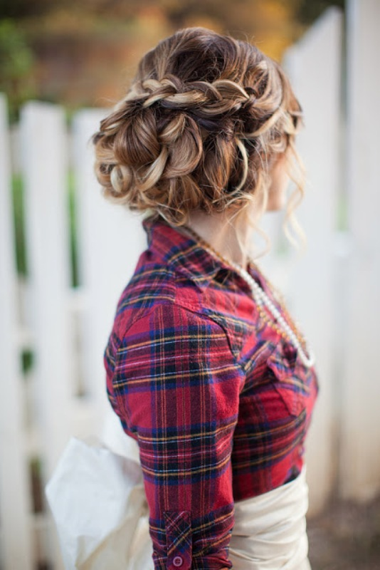 Picture Of fancy tartan ideas for your winter wedding  23