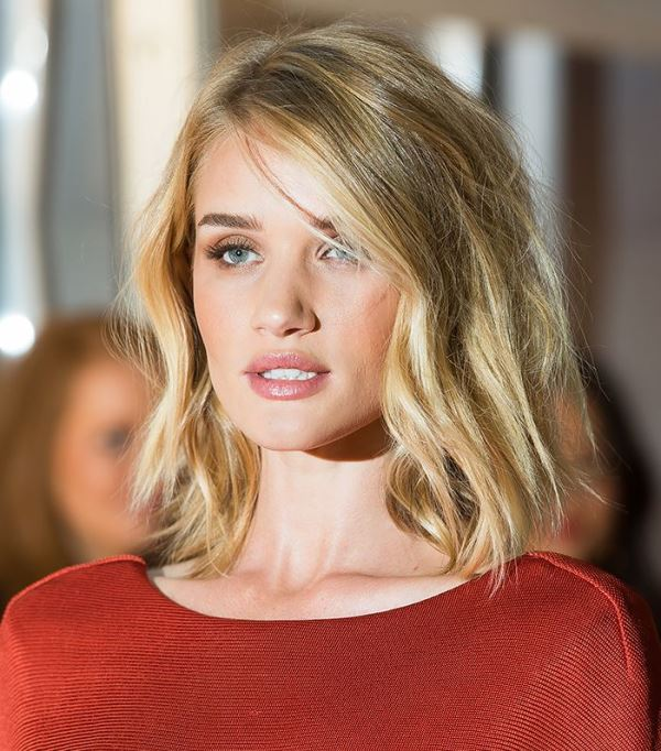 a wavy and textural long bob is always a cool idea, just use spray to texture your hair