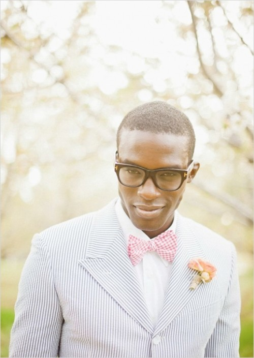 23 Really Stylish Groom Suits With Mismatched Prints