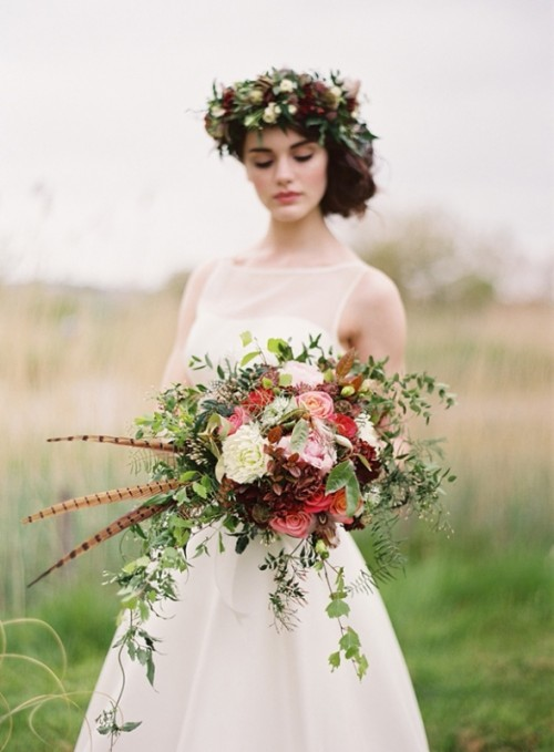 23 Textural Wedding Bouquets With Feathers