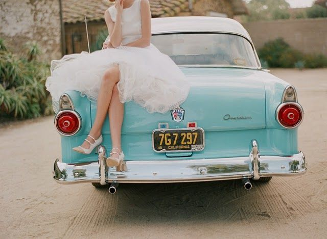 Picture Of Chic Retro Styled Car Ideas For Your Wedding 12