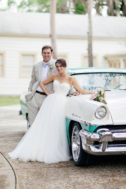 Chic And Trendy Retro Car Ideas For Your Wedding