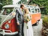 24 Chic Retro Styled Car Ideas For Your Wedding4