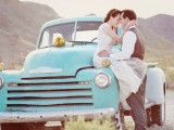 24 Chic Retro Styled Car Ideas For Your Wedding9