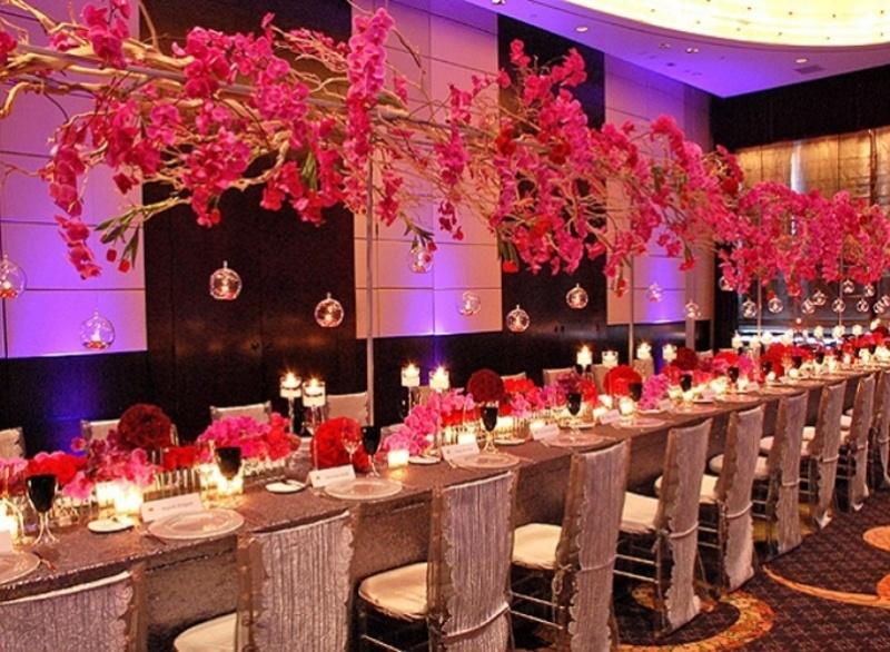 Purple Hanging Wedding Decor Ideas Weddingomania Wedding Decor Ideas