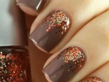 grey nails with colorful polka dots look bright, shiny and very cool and make your outfit fall-inspired