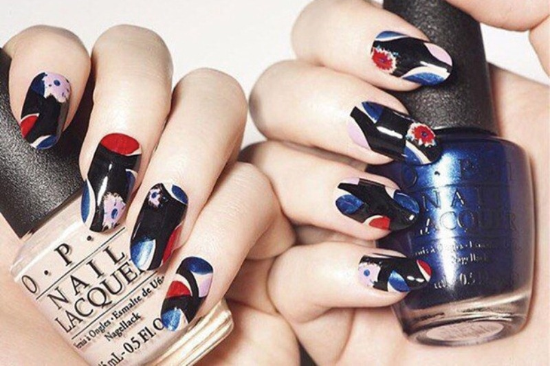 bold patterned nails with abstract patterns are stylish, chic and romantic and will make a statement