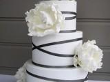 25 Elegant Striped Wedding Cakes16