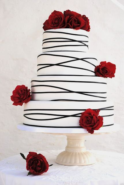 Picture Of Elegant Striped Wedding Cakes 2