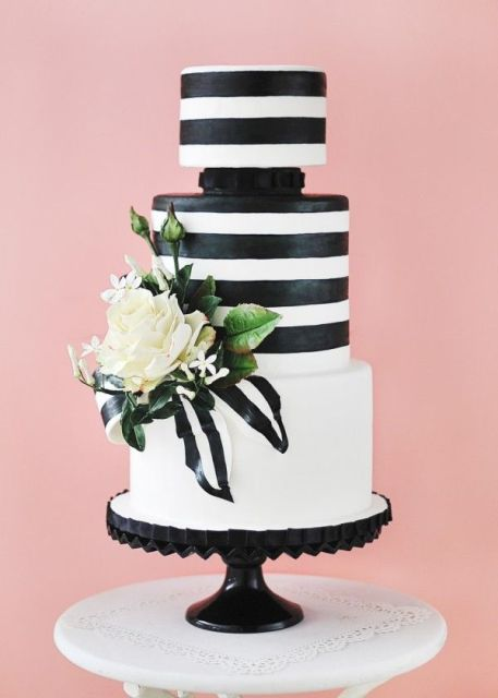 Picture Of Elegant Striped Wedding Cakes 5