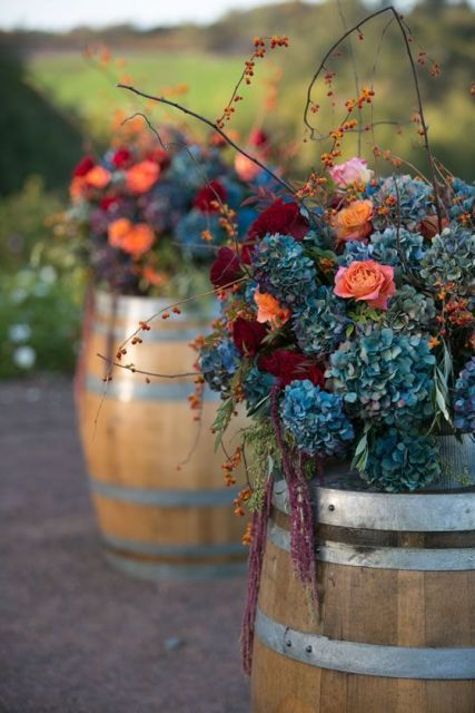 25 Lovely Ideas To Use Wine Barrels At Your Wedding