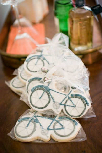 How To Incorporate Bicycles Into Your Wedding Decor 25