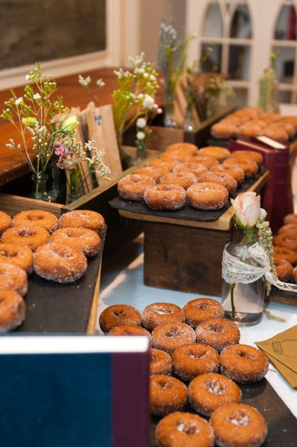 25 Sweet Wedding Donut Ideas And Ways To Display Them