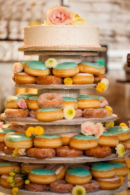 Sweet Wedding Donut Ideas And Ways To Display Them