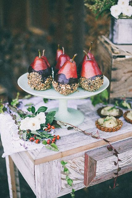 25 Ways To Incorporate Pears Into Your Fall Wedding