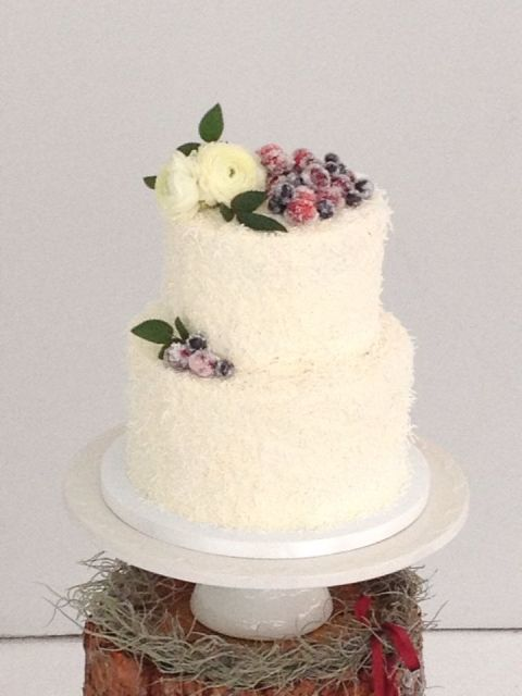 Picture Of Winter Wedding Cakes With Berries 16