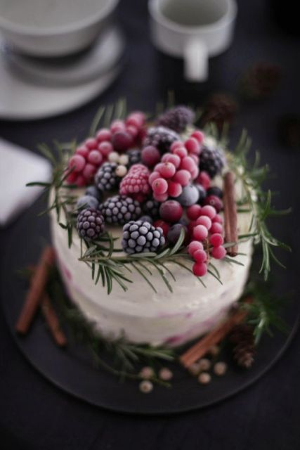Picture Of Winter Wedding Cakes With Berries 19