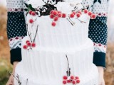 25 Winter Wedding Cakes With Berries6