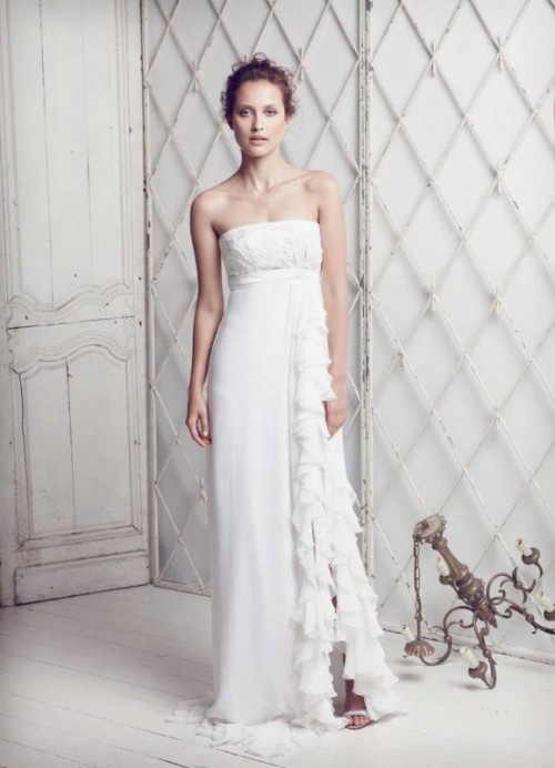 25 Airy And Romantic Empire Waist Wedding Dresses - Weddingomania