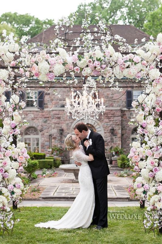 Picture of beautiful wedding floral arches to get inspired 12 for Beautiful gardens to get married in