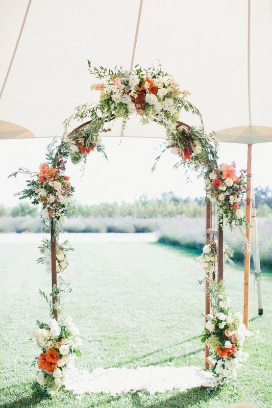 25 Beautiful Wedding Floral Arches To Get Inspired - Weddingomania