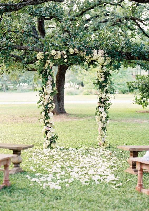 Picture Of beautiful wedding floral arches to get inspired  8