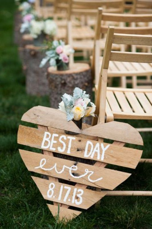 a pallet sign for rustic wedding decor can be easily DIYed and you can make as many as you like