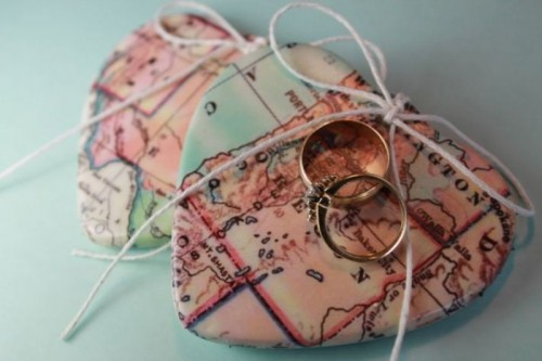 hearts of map are great for a travel-themed wedding, this is a simple craft you can make in minutes