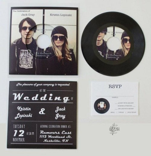vinyl personalized with your couple's photos is a cool idea to substitute usual wedding invitations
