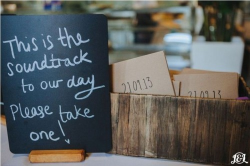 wedding favors featuring vinyl with your favorite songs or music and a chalkboard sign