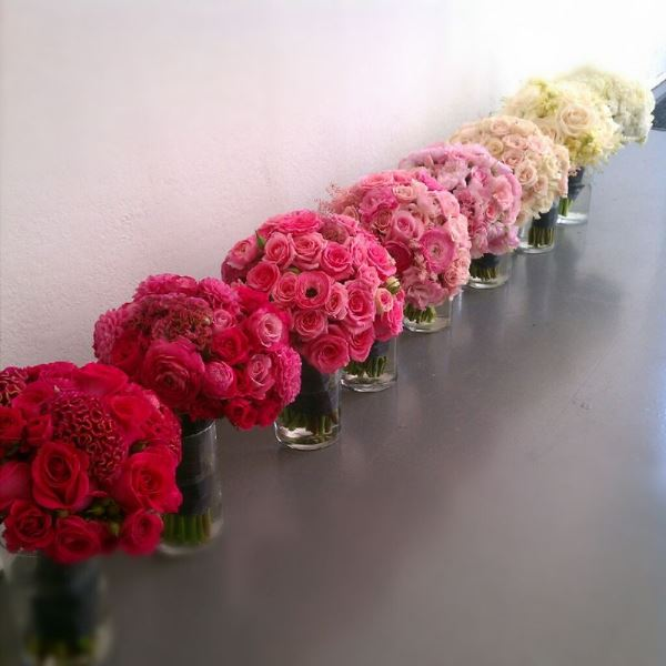 Picture Of Gorgeous Ways To Use Ombre Wedding Flowers 11