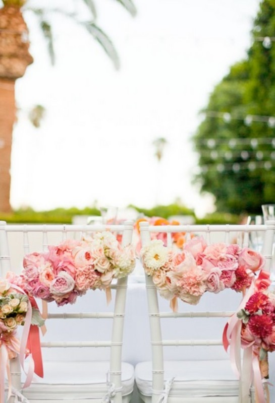 Picture Of gorgeous ways to use ombre wedding flowers  15